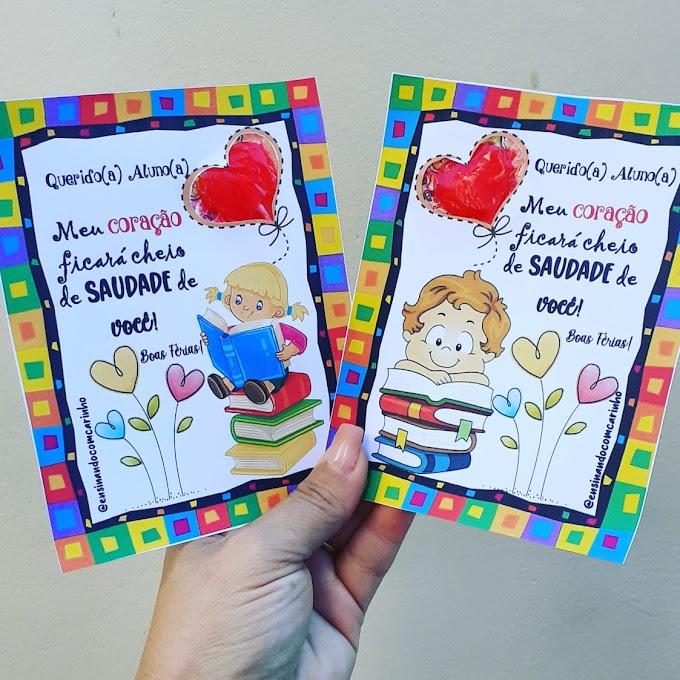 Cartão de férias com pirulito para alunos