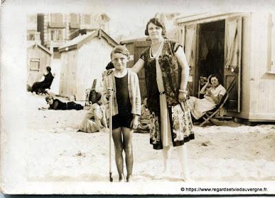 photo ancienne : à la plage