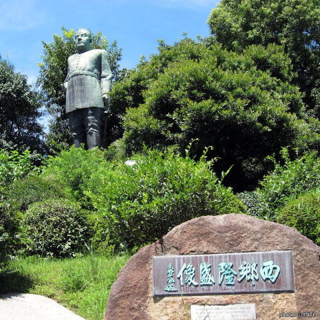 【西鄉隆盛銅像】相傳住過台灣的幕末武士 鹿兒島市中心的5.7頭身銅像