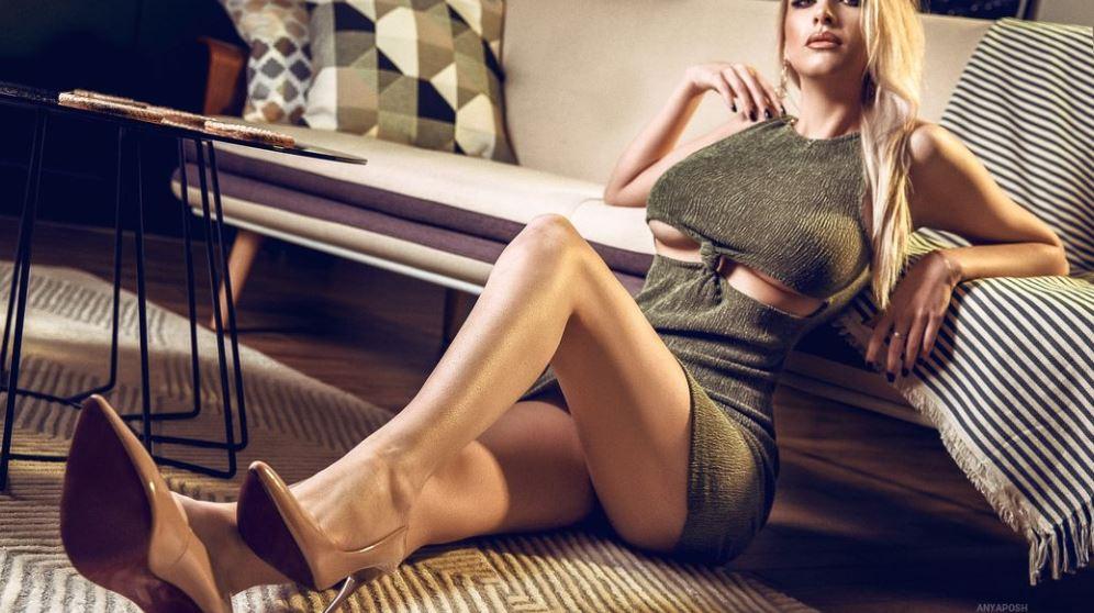 AnyaPosh Model GlamourCams
