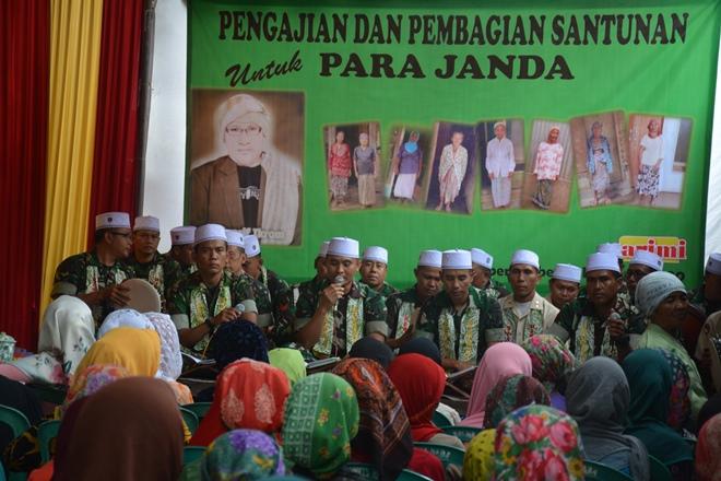 Al Banjari Kodim 0824 Jember Ramaikan Pengajian Dan Berikan Santunan Pompes  Desa Jambearum