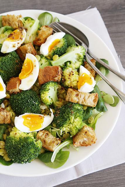 Broccoli-Split-Pea-Croutons-Salad-with-Mustard-Vinaigrette
