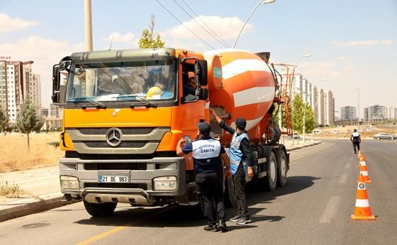 Diyarbakır Büyükşehir Belediyesinden ağır tonajlı araçlara sıkı denetim