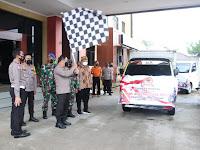 Serentak di seluruh Indonesia, Polresta Samarinda gelar Bakti Sosial Bagikan Paket Sembako sebanyak 300 paket