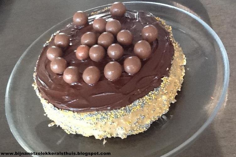 5 december taart bijna zo lekker als thuis: Chocoladetaart met maltesers 5 december taart