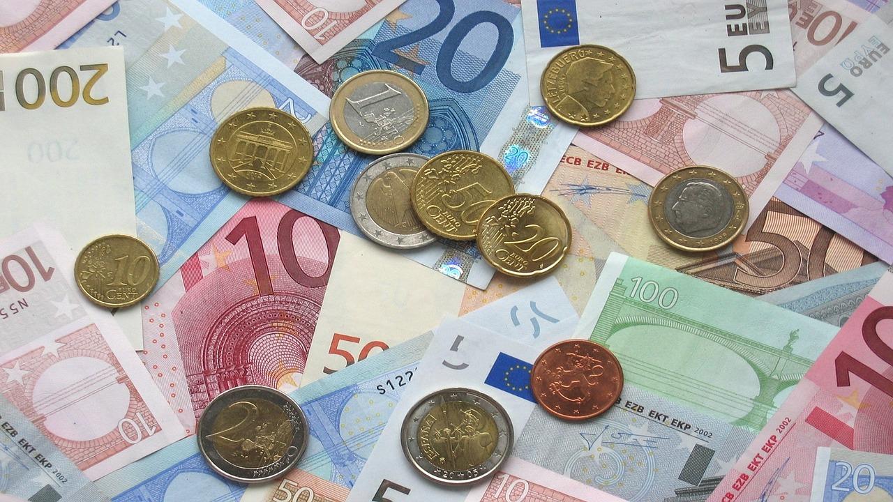 13.400 euros en moyenne payés par l'État: voici les salaires en or des patrons des opérateurs publics