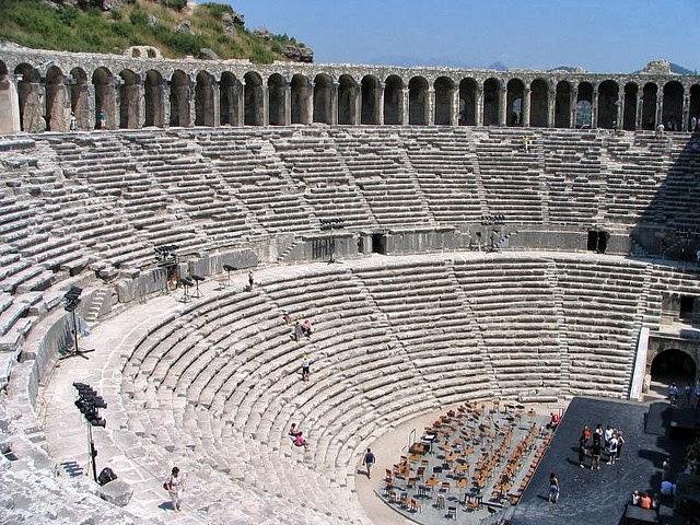 أجمل المسارح الرومانية اليونانية القديمة 234774048_c110008ba8_z.jpg