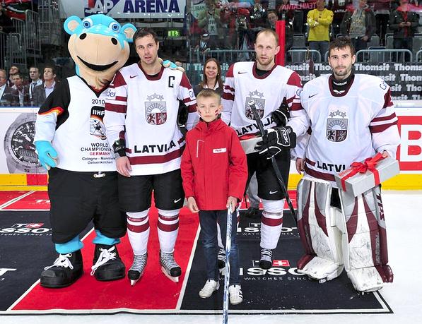 Форма сборной Латвии по хоккею на Олимпиаде 2010 в Ванкувере