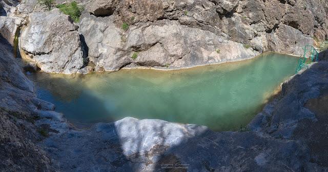 Ванна в Арпатских водопадах. Зеленогорье, Крым.