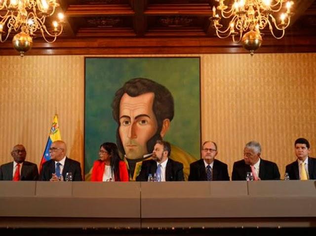Gobierno y oposición instalan Mesa de Diálogo Nacional