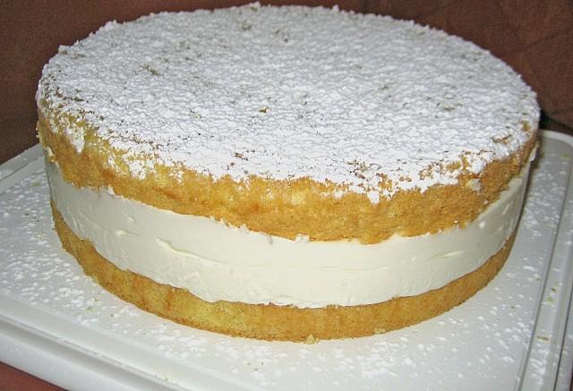 Kuchen mit 1 becher sahne
