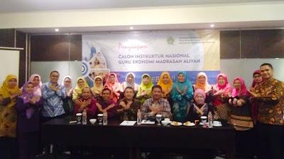 Tiga Anggota Pergumapi Ikuti Kegiatan Calon Instruktur Nasional Guru Ekonomi MA