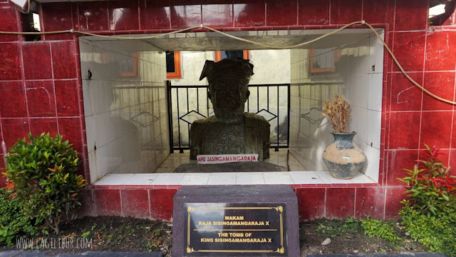 Makam Raja Sisingamangaraja X