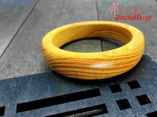 Vòng đeo tay gỗ đàn hương