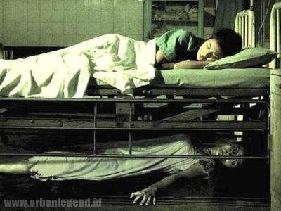 Under The Bed (di bawah Tempat Tidur)