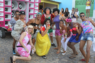 Resultado de imagem para fotos das kengas no carnaval de sao tome rn