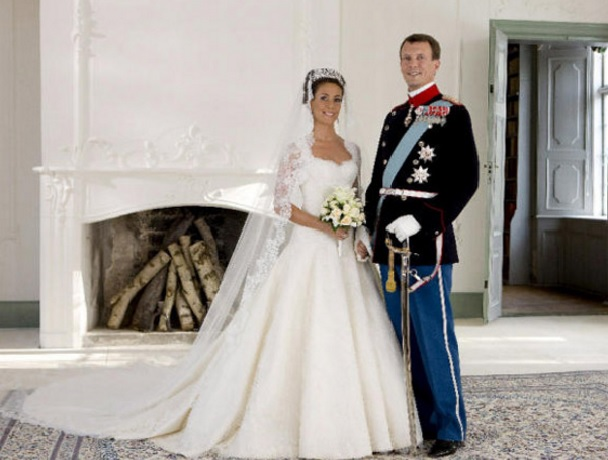 Queens of england royal wedding dresses princess marie of denmark royal wedding dresses princess marie of denmark junglespirit Images