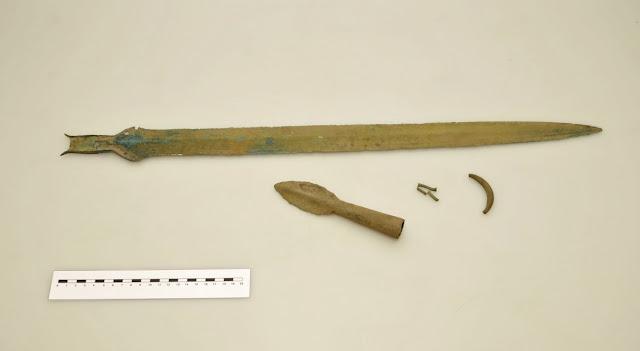 3000 ετών σπαθί που ανακαλύφθηκε στη βορειοανατολική Βοημία