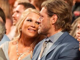Foto Edge dengan istrinya Beth Phoenix