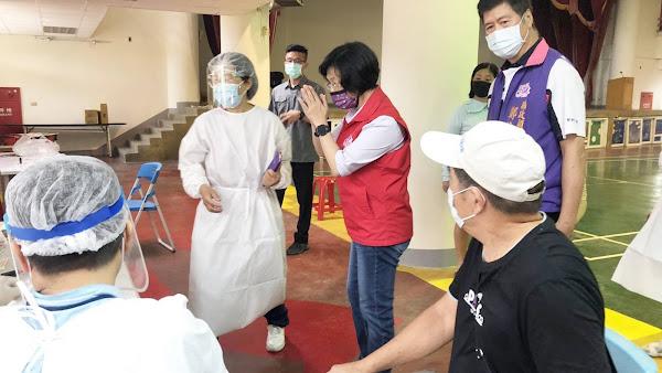 彰化縣長王惠美巡視接種站 7/13起67-69歲長者接種疫苗