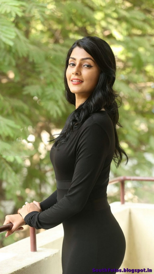 Anisha Ambrose Latest Sexy Photos