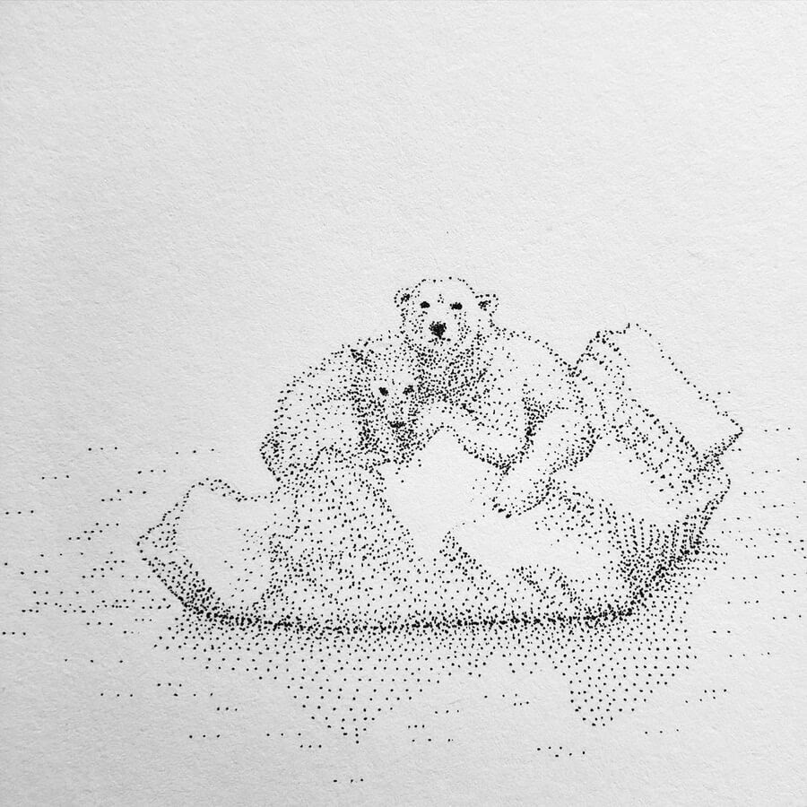 10-Polar-bear-pups-Maria-Lecanda-www-designstack-co