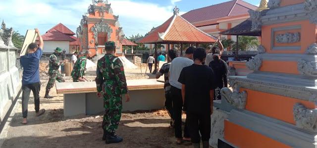 Subdenpom XII/2-2 Pangkalanbun bersihkan tempat ibadah Pura Agung Dharma Santhi Pangkalanbun