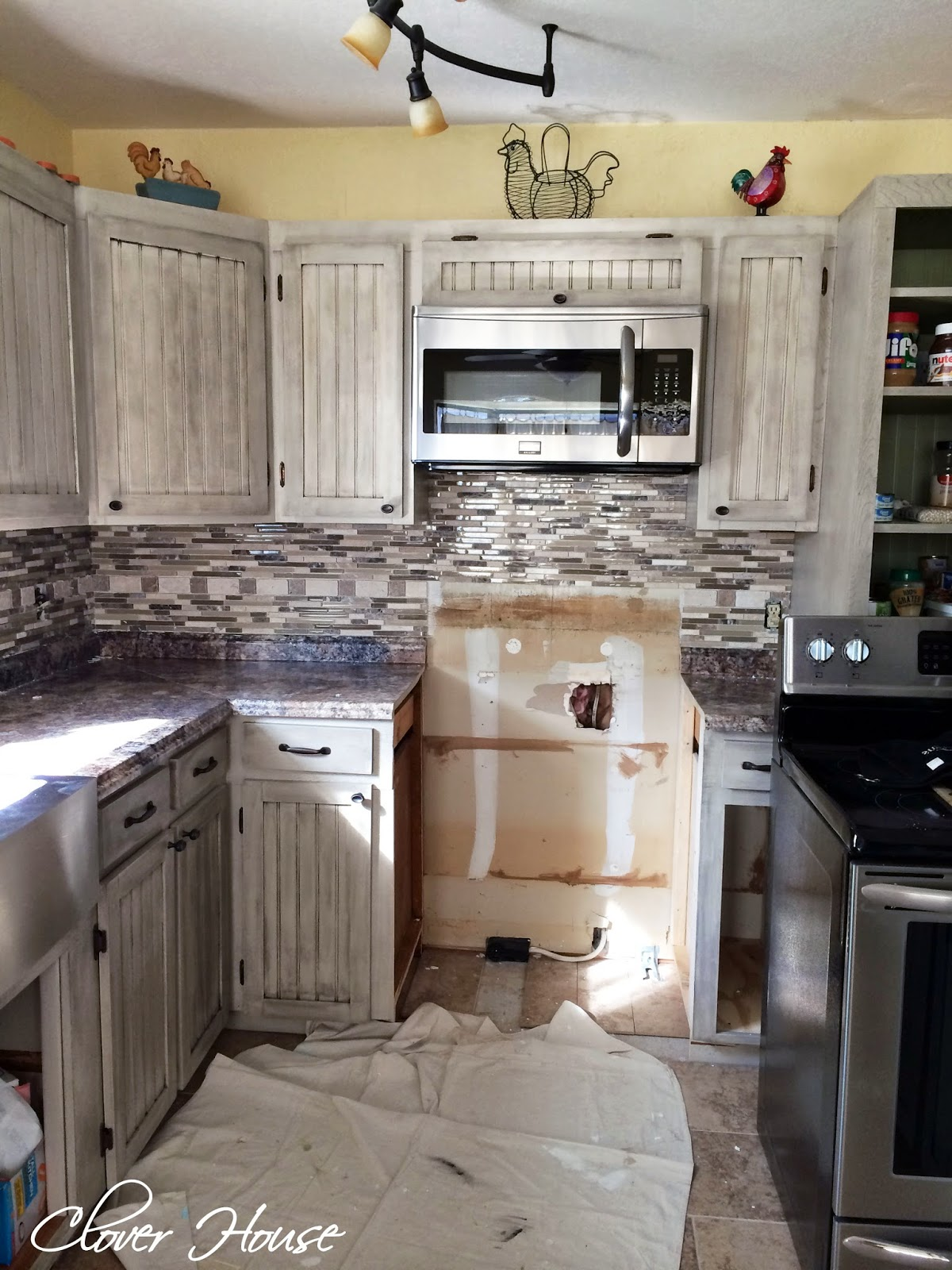 Clover House: DIY Mosaic Tile Backsplash