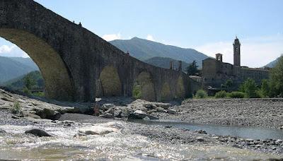 Ponte Gobbo 11 arcate di Bobbio (Piacenza) Borghi piu' belli Italia