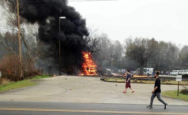 crashes,Plane,Lafayette,Louisiana,murdering,event