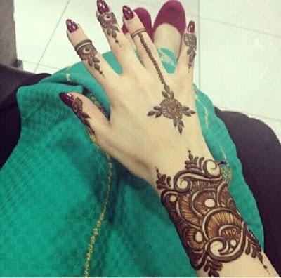 Enticing Pakistani Mehndi Designs For Hands