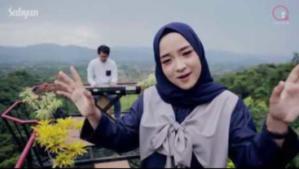 lagu Nissa Sabyan Ya Asyiqol Musthofa (Cover)