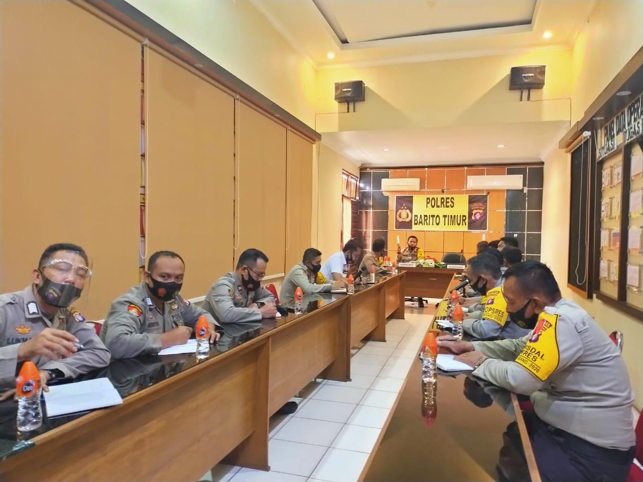 Kapolres Bartim AKBP Hafidh Susilo Herlambang SIK Laksanakan Anev Operasi Mantap Praja Telabang 2020