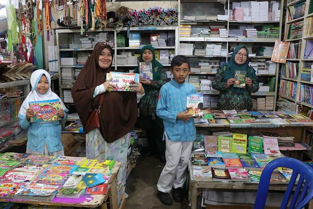 Kumpulkan Koin, Murid SDN 020 Balteng Buatkan Pipa Baca dan Belikan Buku untuk Sekolah