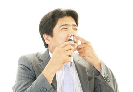 Uso indiscriminado de descongestionantes nasais pode causar arritmia e taquicardia
