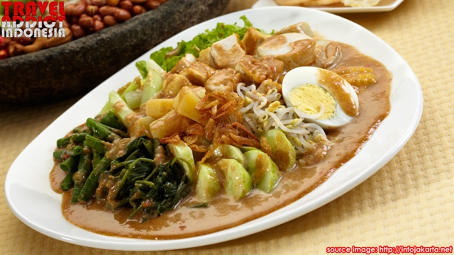 Mix vegetables with peanut sauce is a traditional food from Jakarta