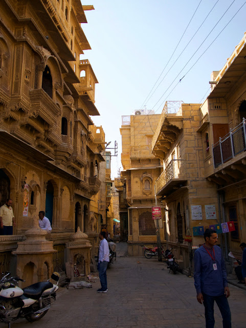 Streets of Golden fort in Jaisalmer, www.azexplained.com