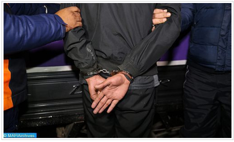 مكناس .. توقيف شخص موضوع مذكرة بحث على الصعيد الوطني للاشتباه في تورطه في جريمة قتل مزدوج مقرونة بالسرقة