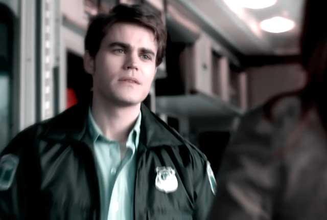 Does Tom Avery die in Vampire Diaries?