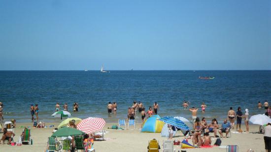 Ir as praias do Rio de La Plata no Verão em Buenos Aires