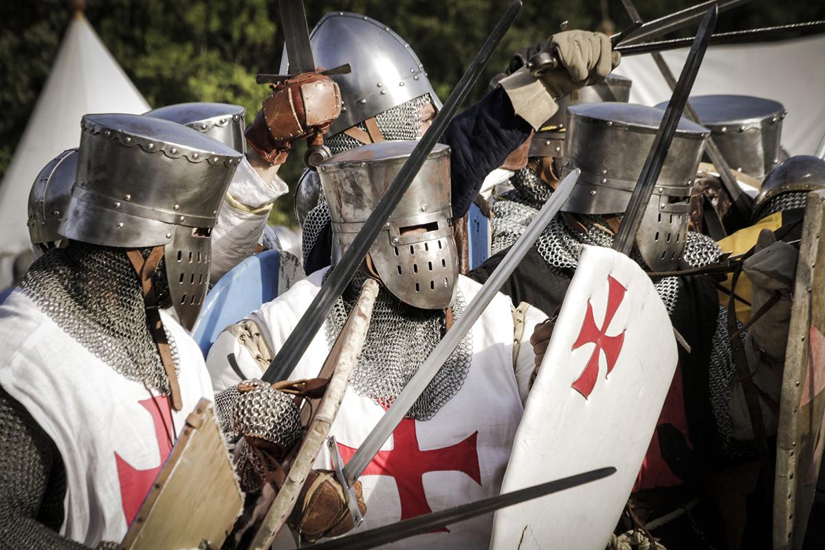 Tentara Salib di perang salin IV manis dan seksi cantik imut