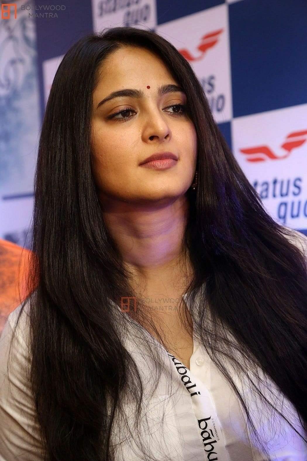 Hot Anushka Shetty Beautiful, Bahubali heroine collections 6