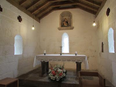 altar de uma capela da Rota do Românico