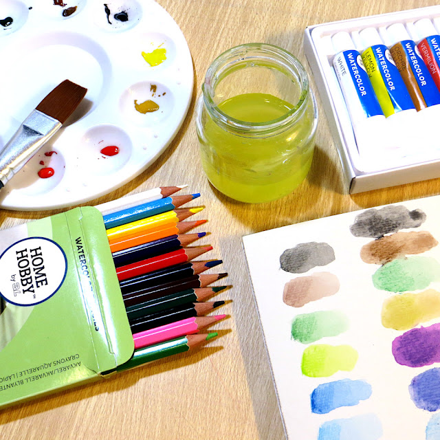 Is is possible to have all the supplies you need to start watercolor painting delivered to you in one kit? Let's see!