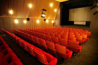 Cinemas têm até 2021 para adaptar salas a pessoas com deficiência.