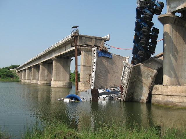 ponte-crollo-danni