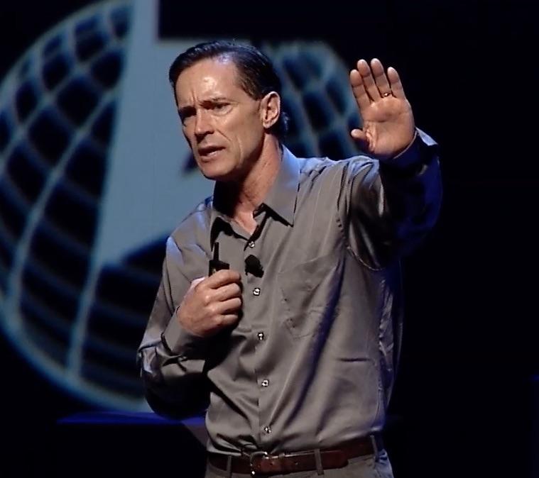 Especialista em geoengenharia revela a manipulação climática, e como está destruindo à Terra