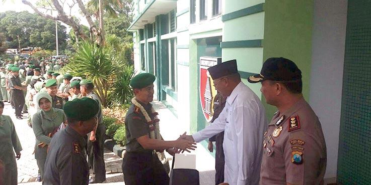 Danrem 083/BDJ Kolonel (Arm) Budi Eko Mulyono S.Sos SSi melakukan kunjungan kerja ke Kodim 0818/Malang-Batu.