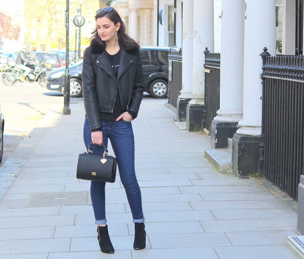peexo fashion blogger wearing topshop leigh jeans and new look tshirt and leather jacket and dune boots and marc b bag in spring