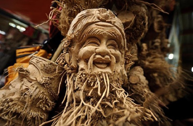Unique sculptures from bamboo's root in Hoi An 1
